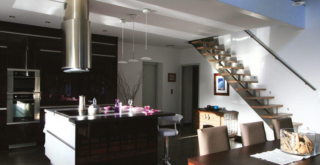 Décoration maison d'architecte vue de la cuisine